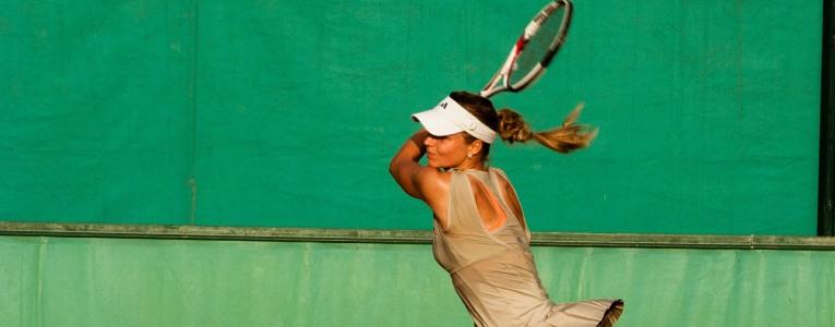 Sportverletzung Tennisarm erkennen und behandeln